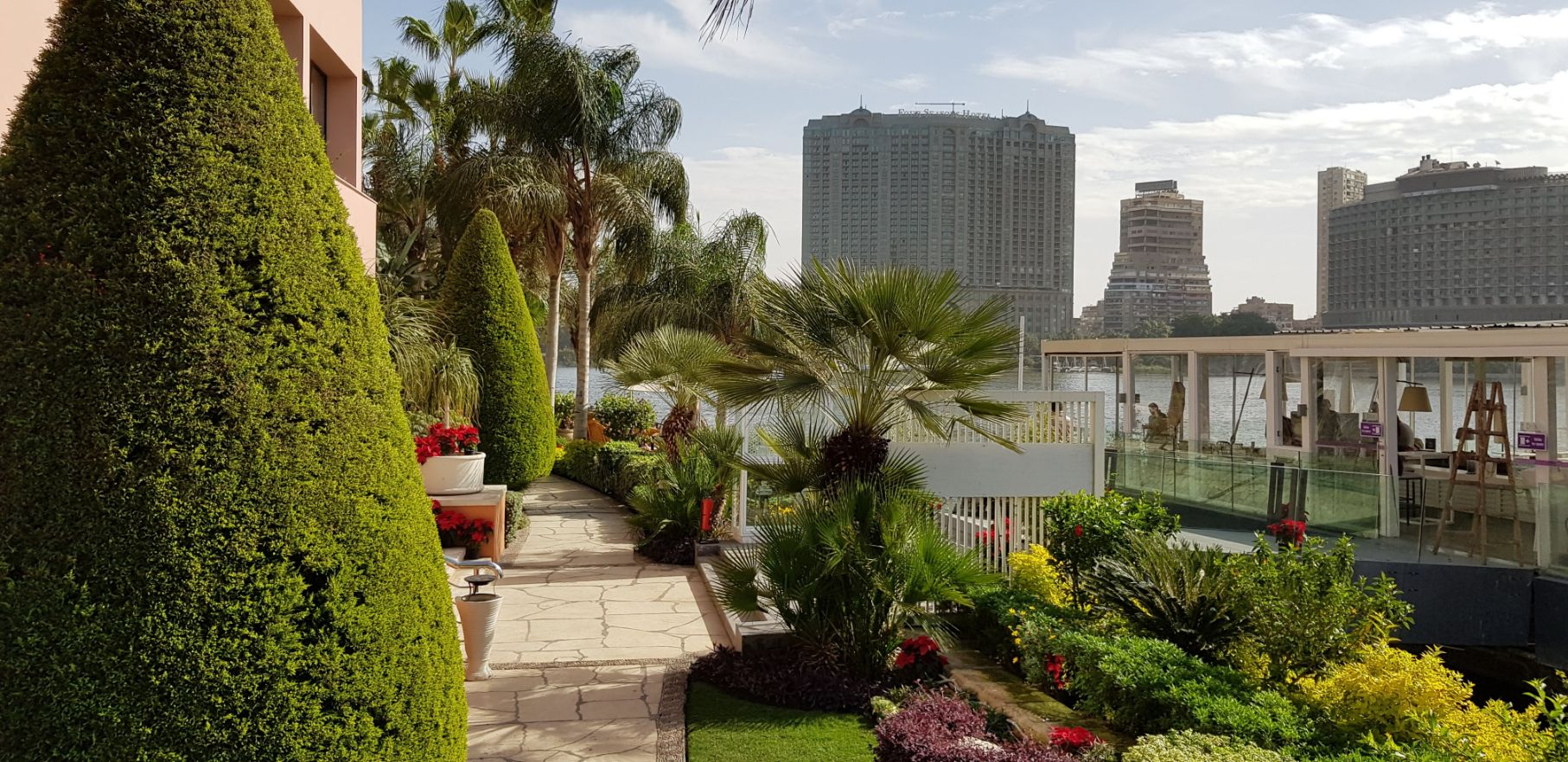 Hotel Sofitel Cairo Nile El Gezirah Le Deck - By Laurent Peugeot