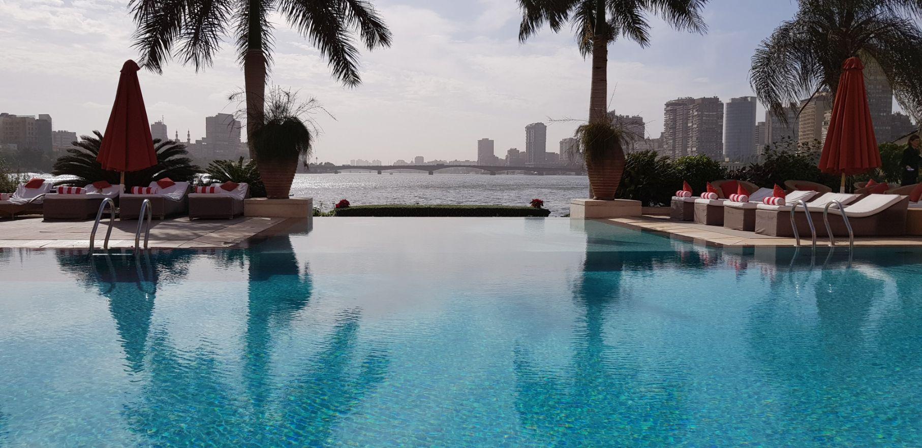 Hotel Sofitel Cairo Nile El Gezirah - Piscina com borda infinita