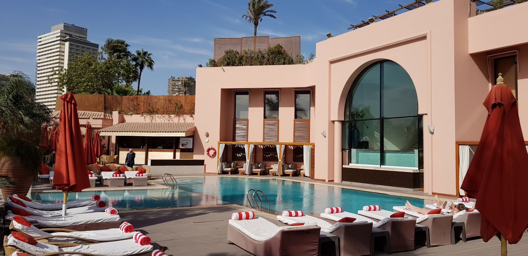 Hotel Sofitel Cairo Nile El Gezirah - Área de piscina
