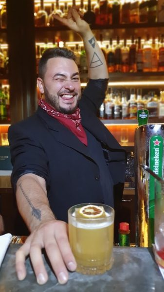 Penicillin servido com estilo pelo bartender Nico Baldini – Presidente Bar